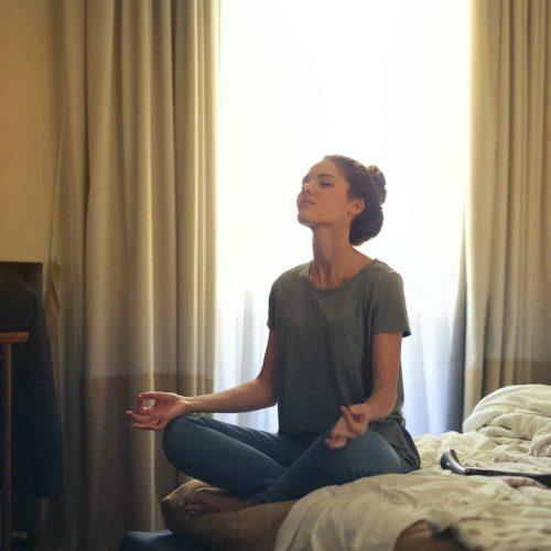 positive mindset - Meditation Hypnosis - self care advice